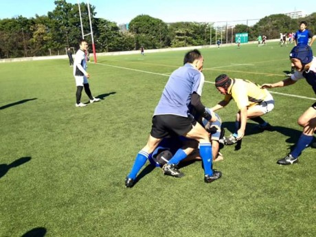 FB_IMG_1446021756266ラグビー練習ディフェンス